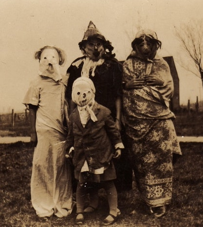 Disguised children for Hogmany